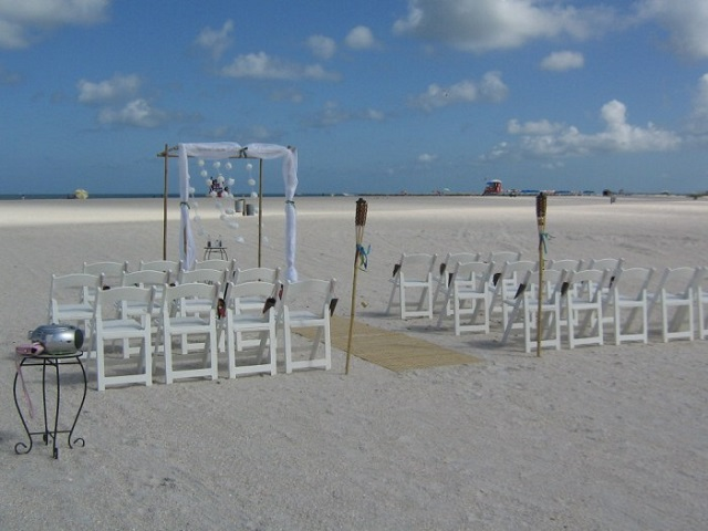 White Garden Chair Beach Set up