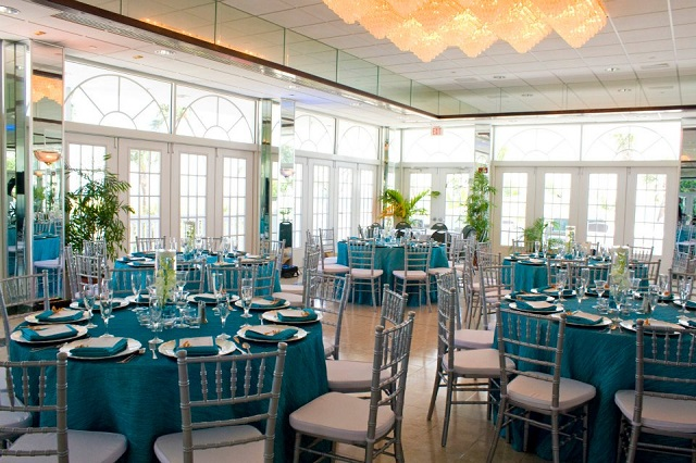 Silver Chiavari chairs_Turquoise Krinkle Linens