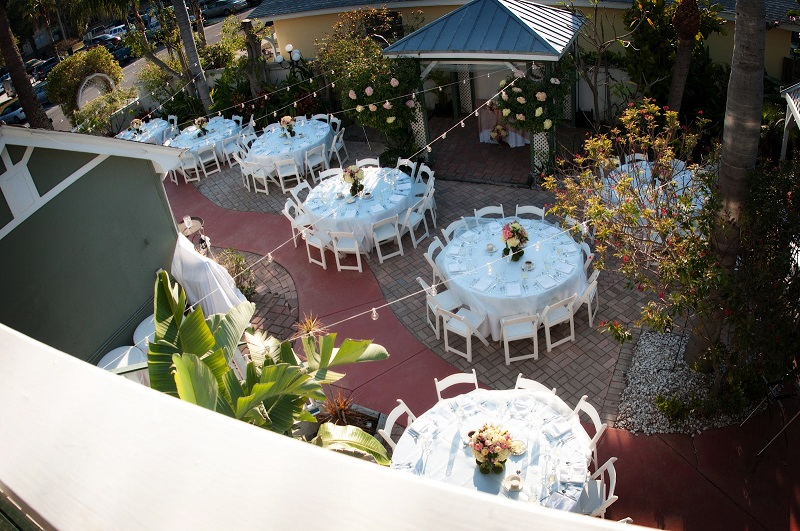 White Garden_Tablecloths